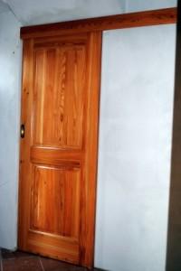 Lesena drsna vrata