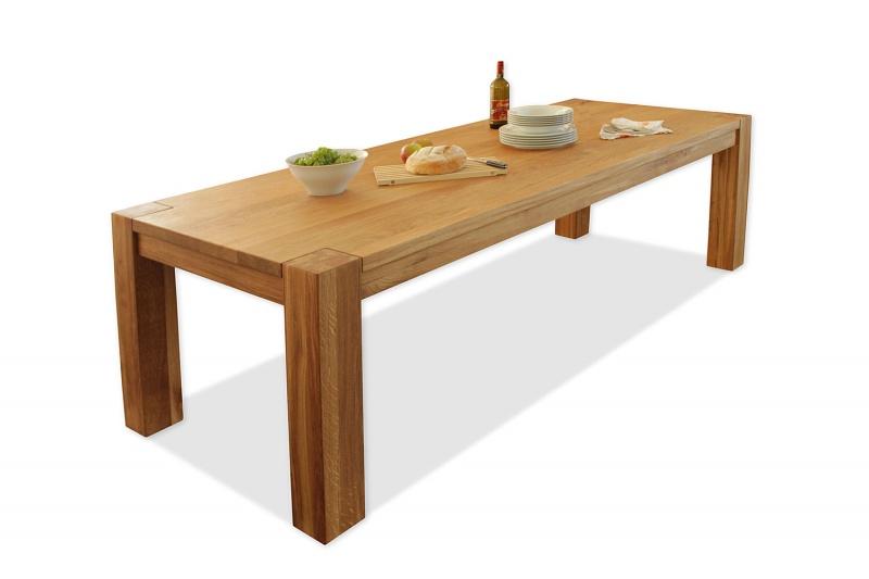 Hrastova masivna jedilna miza